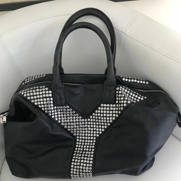 9a766f132188 Yves Saint Laurent Easy Studded Bag. M 5ab957f0f9e501d260ee767f
